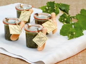 Pesto aus Wildpflanzen zum Verschenken