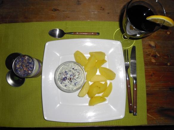 Wilder Topfen mit Salzkartoffeln