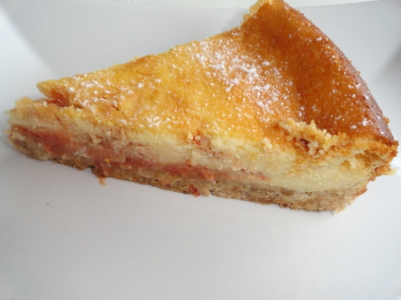 Cheesecake mit Hagebuttenmarmelade