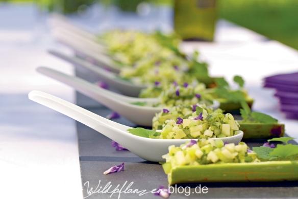 Gurkensalat in Löffeln
